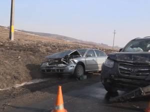 Maşini avariate, una după alta, în cele două accidente petrecute la interval de cinci minute