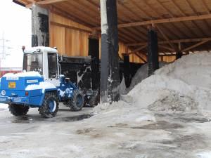 400 de tone de sare sunt depozitate în curtea Diasil, pregătite pentru lucrările de deszăpezire de pe străzile Sucevei