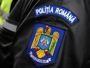 Femeia fost trimisă în judecată de procurori sub acuzaţia că a ameninţat cu moartea un om al legii în sediul postului de poliţie din localitate