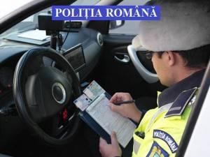 Un bărbat cu permisul de conducere anulat a prezentat la control un act fals