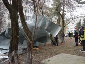 Acoperişuri smulse pe strada Alexandru cel Bun