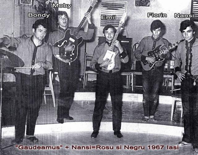 Bondy a fost printre membrii fondatori ai celebrei trupe rock Roşu şi Negru