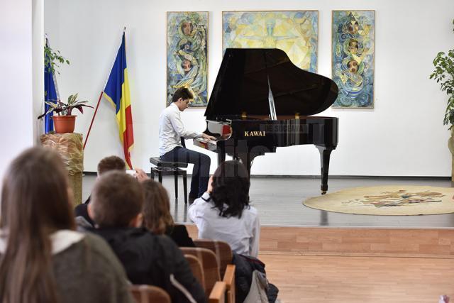 """Concurs de interpretare la pian """"Tinere talente"""", la Colegiul de Artă """"Ciprian Porumbescu"""""""
