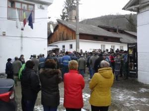150 de mineri de la Crucea - Botusanu au refuzat să intre în subteran