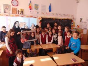 """""""Fără ură, cu toleranţă"""", activități educative organizate de Cercul de Informatică de la Palatul Copiilor"""