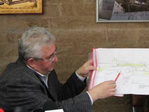 Primarul Sucevei a prezentat noile măsuri de fluidizare a traficului de pe Calea Unirii, din zona sensului giratoriu de la Dedeman