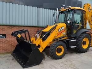 Bărbatul a furat buldoexcavatorul de pe un teren arabil