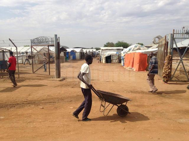 Un tânăr ofiţer sucevean a dat poliţia rutieră pe taberele de refugiaţi din Sudanul de Sud