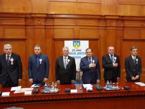Şeful administraţiei judeţene, Gheorghe Flutur, a condus şedinţa festivă organizata la 25 de ani de la înfiinţarea CJ Suceava