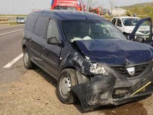 Dacia Logan MCV a intrat în coliziune cu Loganul care pornise manevra de întoarcere