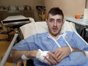 Tânărul care a ajuns la spital cu plăgi prin înjunghiere