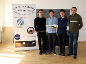 Echipajul de la Concursul Naţional de Creativitate Digitală ExplorIT, de la Bacău