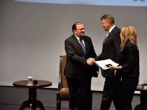 Klaus Iohannis l-a încurajat pe Gheorghe Flutur să dezvolte proiectul clusterului regional de bioeconomie