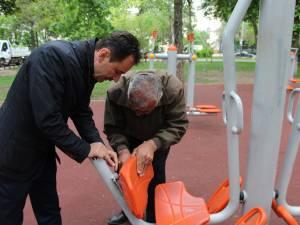 Aparatele de fitness din Parcul Central au fost distruse la mai puţin de un an de la darea lor în folosinţă