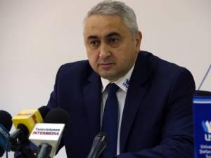 """Prof. univ. dr. ing. Valentin Popa, rectorul Universităţii """"Ştefan cel Mare"""" Suceava"""