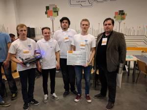 Echipa câştigătoare InelX, coordonată de Remus Prodan