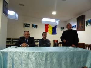 Conferenţiar Florin Pintescu, lector Radu Florian Bruja şi preot Viorel Vârlan