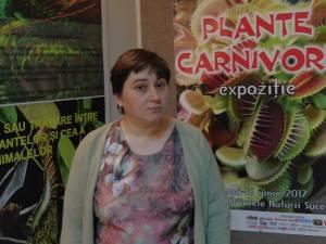 Florentina Carmen Oleniuc, dr. în biologie,  a organizat această expoziţie, prima de acest fel de la Muzeul de Ştiințele Naturii