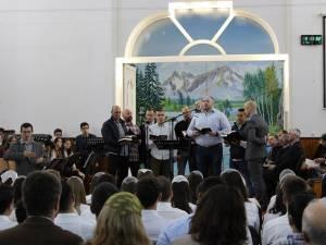 Deţinuţii au cântat despre slava lui Dumnezeu Foto: georgeignat.com
