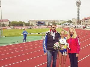 Andreea Doroftei alături de antrenoarea sa, Erzilia Țâmpău, și antrenorul federal al lotului național
