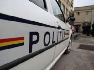 Poliţiştii au descins la o casă din comuna Sadova