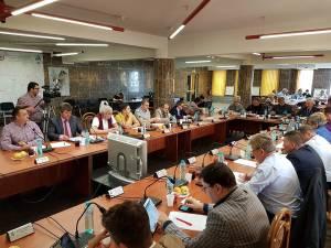 """Noul preț al gigacaloriei pentru populație a fost aprobat cu 12 voturi """"pentru"""" și 9 """"împotrivă"""""""