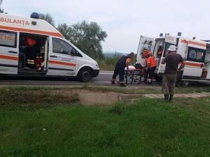 Trei victime au ajuns la spital în urma unei depășiri imprudente