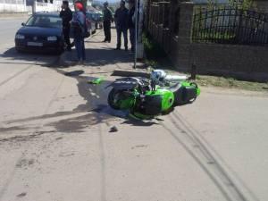 Accidentul s-a produs pe 23 aprilie 2015, la intersecţia străzii Armatei cu strada Horia, în apropiere de sediul Şcolii Militare de Subofiţeri Jandarmi Fălticeni. Foto: ziaruldepenet
