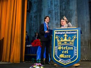 Cea mai înaltă distincţie a colegiului a fost acordată şefului de promoţie Ștefan Ciprian Cojocariu