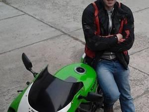 Alexandru Pintilei era un împătimit al motociclismului, pasiunea lui pentru viteză aducându-i sfârșitul