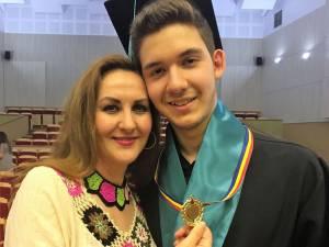 Alex Semeniuc, alături de mama sa, Silvia Semeniuc
