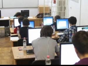 Proba de evaluare a competenţelor digitale de la bacalaureat FOTO obiectivbr.ro