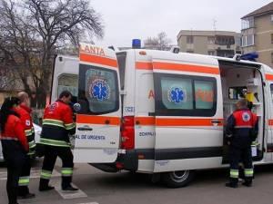 Biciclistul a fost rănit grav și a fost transportat de  echipajul unei ambulanțe SMURD la Spitalul Municipal Rădăuți