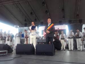 Ion Lungu a oferit diploma de cetatean de onoare maestrului Botgros