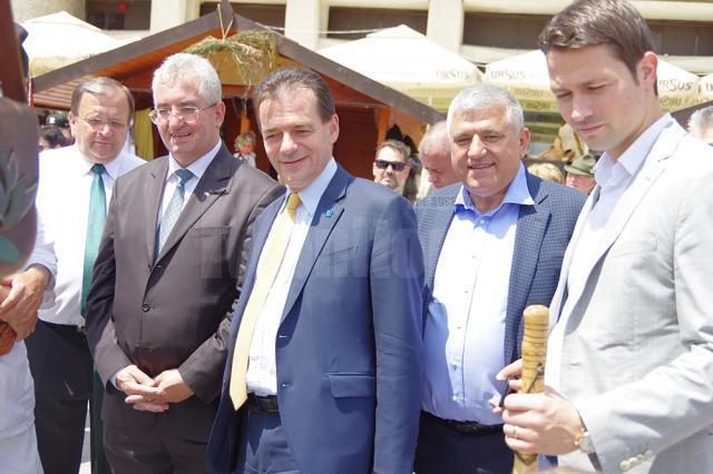 Orban a vizitat Târgul de Sânziene din centrul Sucevei