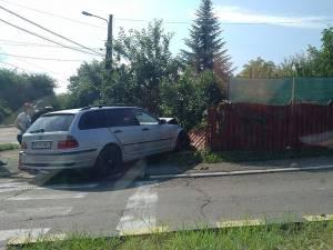 BMW-ul care a ricoșat în gard