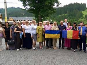 La stagiu au participat cadre didactice din învățământul preuniversitar din Cernăuţi