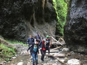 Excursii elevi în rezervaţia Cheile Moara Dracului