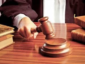 Comisarul-şef Vasile Gabor a fost condamnat la o pedeapsă de 1 an şi 10 luni de închisoare cu suspendare sub supraveghere