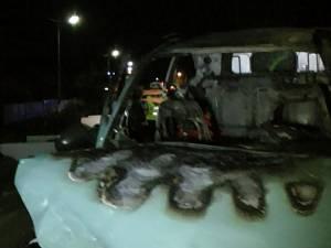 Dupa impact, masina a luat foc. foto: Ziarul de Vrancea