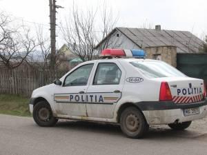 S-a ascuns cu maşina într-o livadă pentru a scăpa de poliţiştii care îl urmăreau