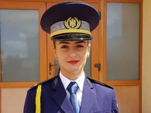Anişoara Ţugui, şefă de promoţie a Şcolii Agenţilor Poliţiei de Frontieră Oradea