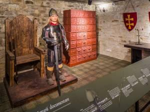 La Cetatea de Scaun a Sucevei vor fi introduse ghiduri audio în limba engleză