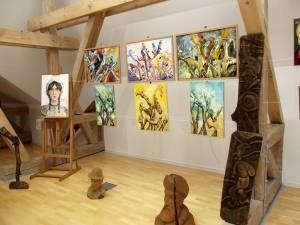 Expoziţia retrospectivă a taberelor din Poiana Dacilor