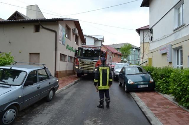 Străzi înguste pe care nu pot trece utilajele de intervenție ale ISU