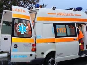 Cinci persoane au fost rănite după ce un tânăr a scăpat maşina de sub control