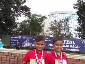 David Arcip și Iustin Andrei la  concursul din Bacău