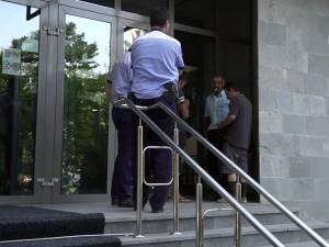 Suspecţi aduşi ieri la audieri la Parchetul de pe lângă Judecătoria Suceava