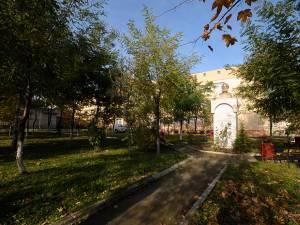 """Parcul Școlii """"Ion Creanga"""" Suceava, în locul căruia s-ar putea construi grădiniţa"""