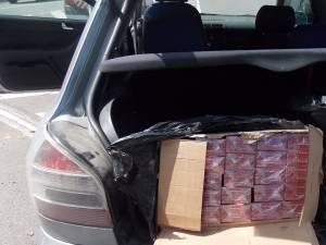 Ţigările de contrabandă erau transportate de un bărbat din Câmpulung Moldovenesc